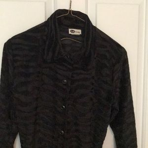 Full Circle Tops - Beautiful black blouse - Mint! - Worn once - Small